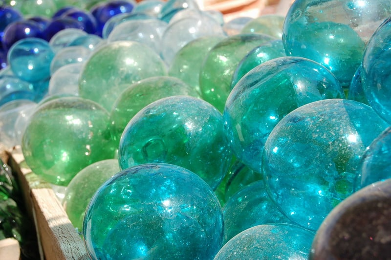 כדורי זכוכית - שלומי הפקות