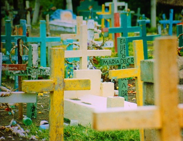 בית קברות לצבעים - שלומי הפקות